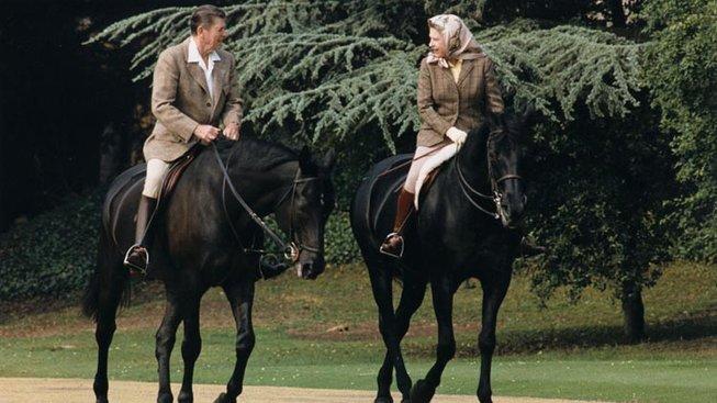 Kůň, který s britskou královnou prožil menší drama